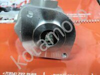 Новый гидравлический масленный насос Kubota 38180-7610-0 The new hydraulic oil pump Kubota L1-24 from Kotamoto